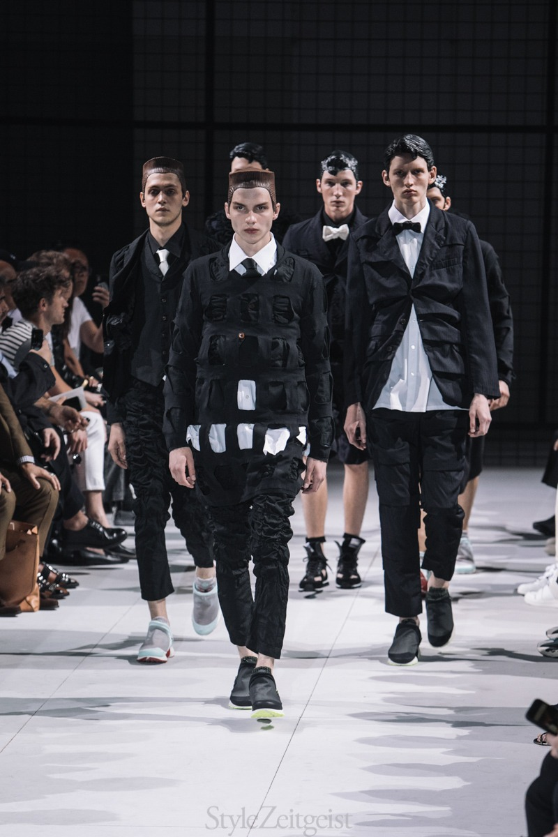 Watch Raf Simons to Present Spring 2019 Collection at Pitti Uomo video