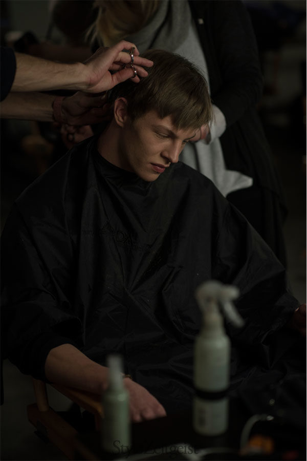 Tim Coppens Backstage FW14, New York - fashion - lookbook_s