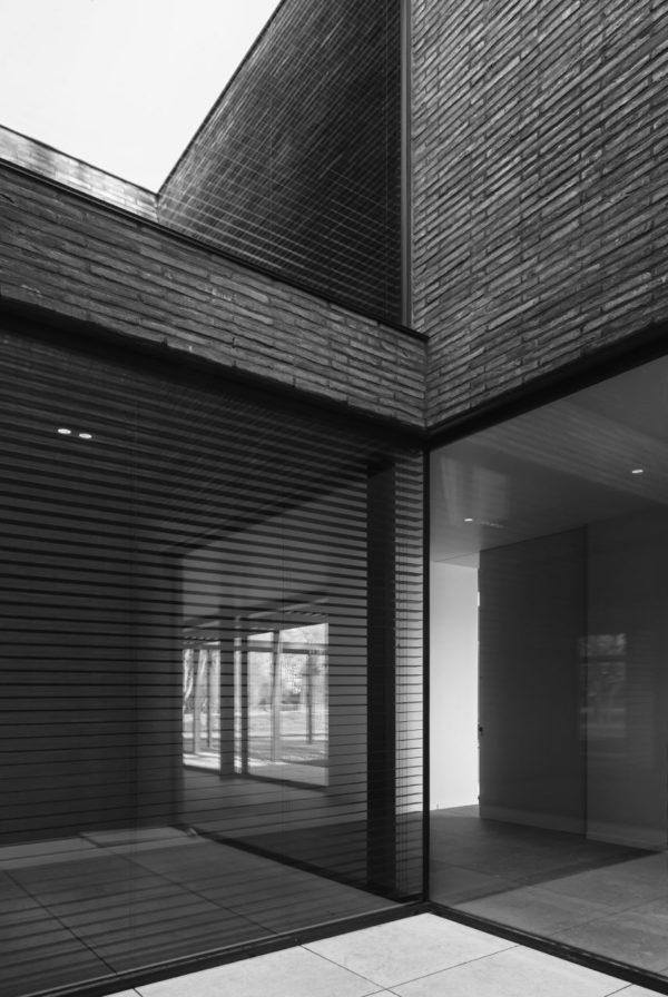 Vincent Van Duysen: Brutalism With a Soul - design - waregem, vincent van duysen architects, review_s, pulcinella, Graanmarkt 13, d residence, antwerpen