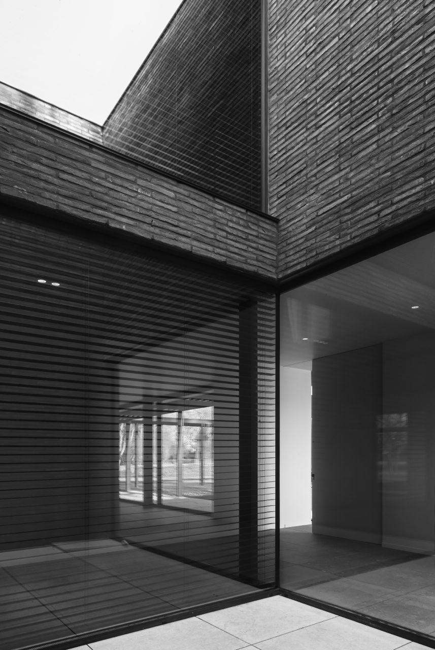 vincent van duysen brutalism with a soul stylezeitgeist. Black Bedroom Furniture Sets. Home Design Ideas