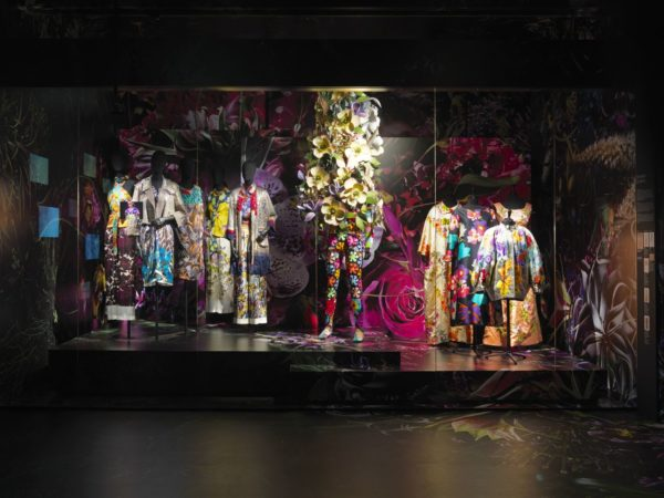 Dries Van Noten at MoMu - fashion, culture - Review, momu, fashion exhibit, Fashion, Exhibit, dries van noten, Antwerp, 2015