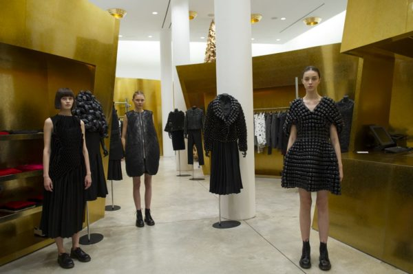 Noir by Kei Ninomiya at Comme des Garcons - retail fashion - lookbook_s