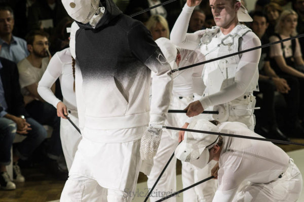 Aitor Throup: New Object Research S/S17 - fashion - Year, StyleZeitgeist, Season, MENSWEAR, Mens Fashion, London Fashion Week, LFW, Fashion, Fall Winter, Aitor Throup, 2016