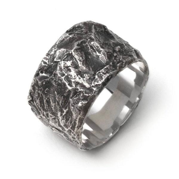 StyleZeitgeist Alicia Hannah Naomi Anthracite Ring