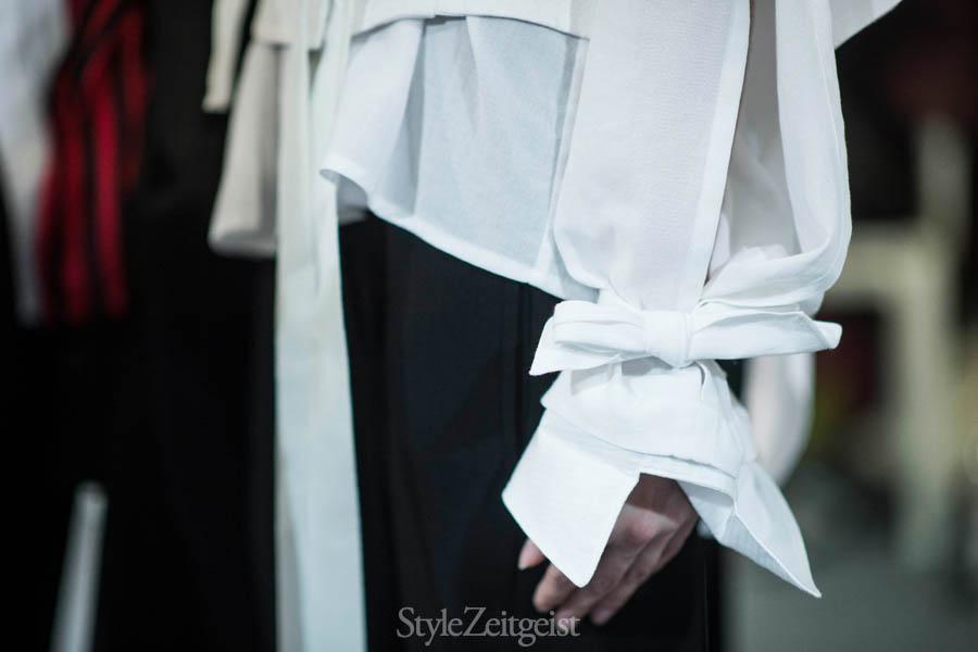 Ann Demeulemeester S/S17 Women's - Paris Backstage - fashion - Women's Fashion, StyleZeitgeist, SS17, PFW, Julien Boudet, Fashion Show, Fashion, Backstage, Ann Demeulemeester