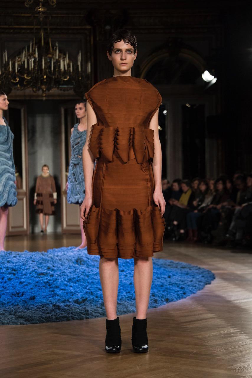 Anrealage F/W17 Women's - Paris - fashion - StyleZeitgeist PFW Paris FW17 Fashion Fall Winter Anrealage 2017