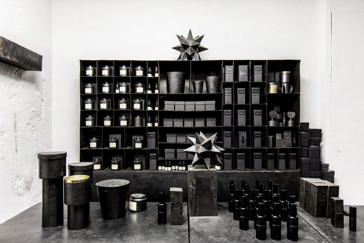 mad et len opens paris store stylezeitgeist. Black Bedroom Furniture Sets. Home Design Ideas
