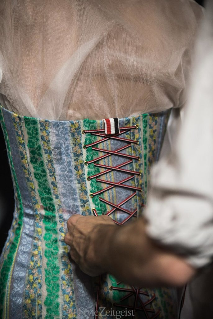 Thom Browne S/S18 Women's – Paris Backstage - fashion - Womenswear, Women's Fashion, Thom Browne, StyleZeitgeist, SS18, Spring Summer, PFW, Paris Fashion Week, Paris, Julien Boudet, Fashion, bleumode, Backstage, 2017