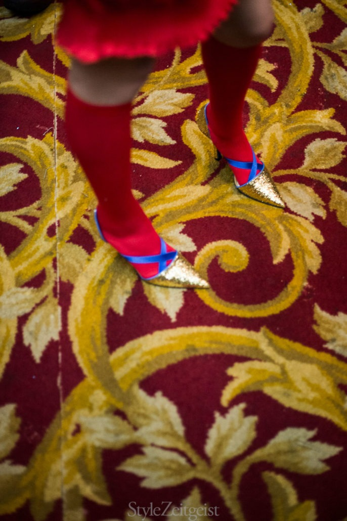 Undercover S/S18 Women's – Paris Backstage - fashion - Womenswear, Women's Fashion, Undercover, StyleZeitgeist, SS18, Spring Summer, PFW, Paris Fashion Week, Paris, Jun Takahashi, Julien Boudet, Fashion, bleumode, Backstage, 2017