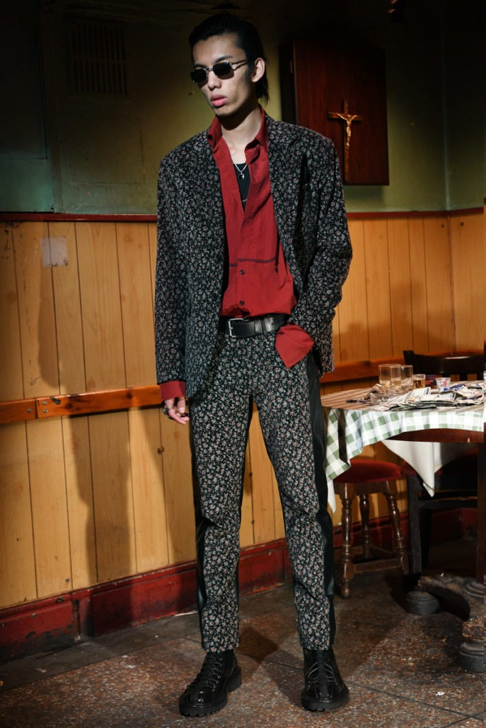 Yang Li F/W18 Men's – Lookbook - fashion - Yang Li, PFW, Paris Fashion Week, Paris, MENSWEAR, Mens Fashion, lookbook, Fw18, Fashion, Fall Winter, 2018