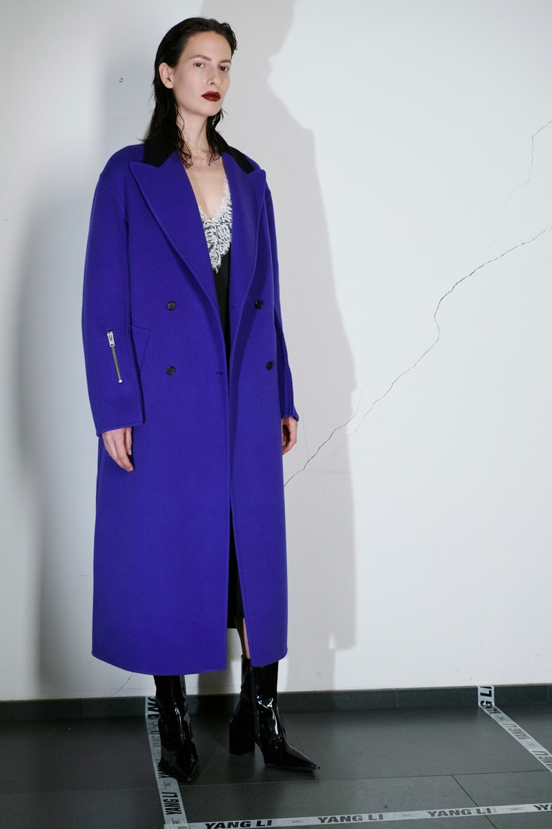 Yang Li Pre-Fall 2018 Women's – Lookbook - fashion - Yang Li, Womenswear, Women's Fashion, lookbook, Fw18, Fashion, Fall Winter, 2018