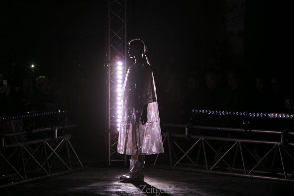 Anrealage F/W18 Women's – Paris - fashion - Womenswear, Women's Fashion, PFW, Paris Fashion Week, Paris, Matthew Reeves, Fw18, Fashion, Fall Winter, Anrealage, 2018