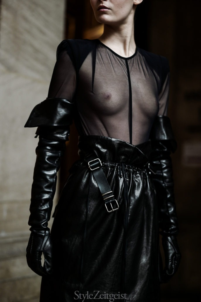 Ann Demeulemeester F/W18 Women's – Paris Backstage - Womenswear, Women's Fashion, PFW, Paris Fashion Week, Paris, Julien Boudet, Fw18, Fashion, Fall Winter, Backstage, Ann Demeulemeester, 2018
