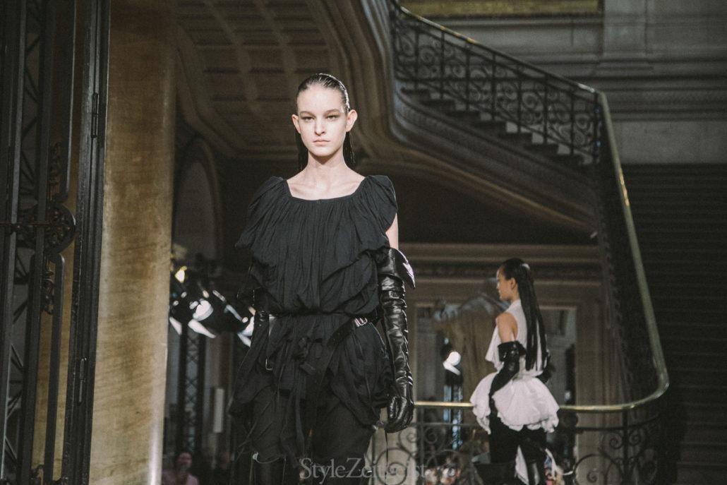 Ann Demeulemeester F/W18 Women's - Paris - fashion - Womenswear, StyleZeitgeist, PFW, Paris Fashion Week, Paris, Fw18, Fashion, Fall Winter, Ann Demeulemeester, 2018