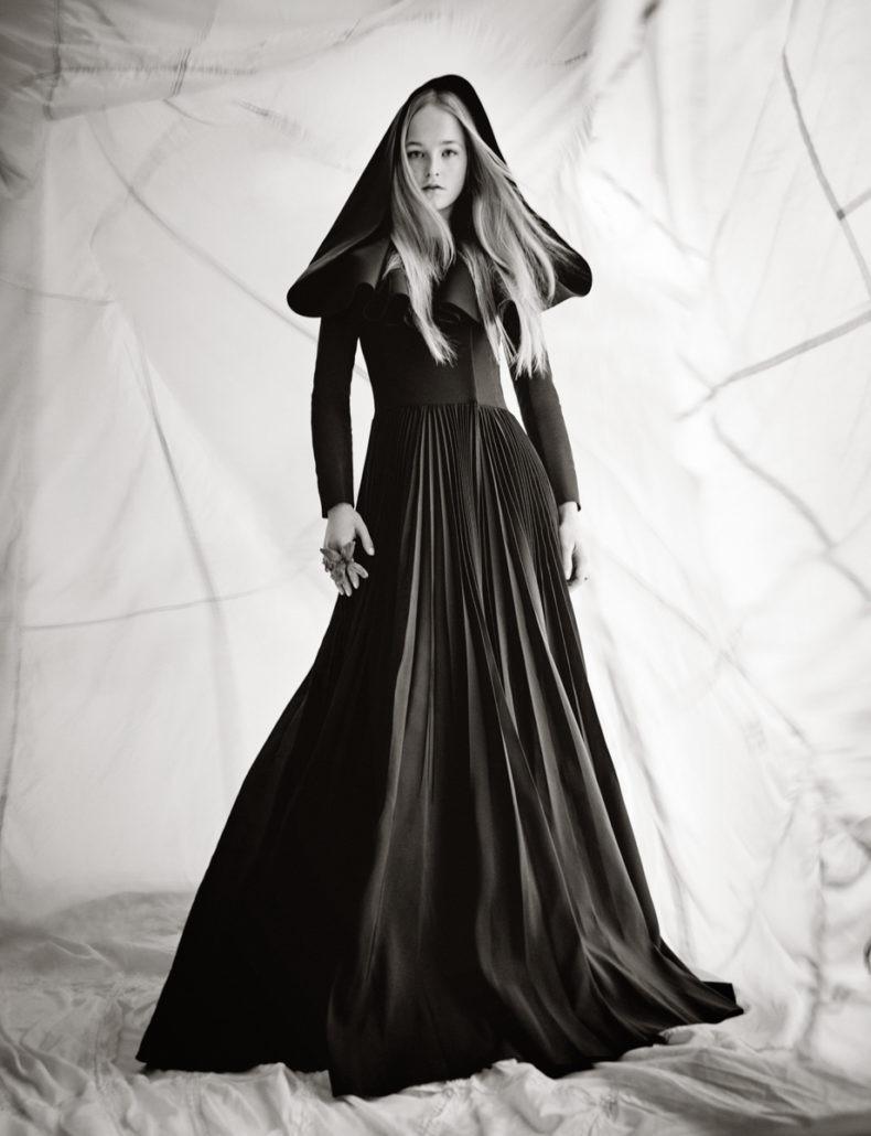 Dior Images: Paolo Roversi - Womenswear, Women's Fashion, Rizzoli New York, Rizzoli, Photography, paolo roversi, fashion photography, Fashion, dior, 2018