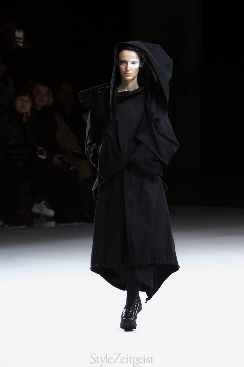 Yohji Yamamoto F W18 Women s - Paris - fashion - Yohji Yamamoto 7ab56420f