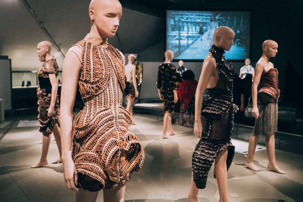 Iris van Herpen: Transforming Fashion at the Royal Ontario Museum - fashion, culture - Womenswear, Women's Fashion, Toronto, Royal Ontario Museum, Philip Beesley, Iris Van Herpen, Fashion, Culture, 2018