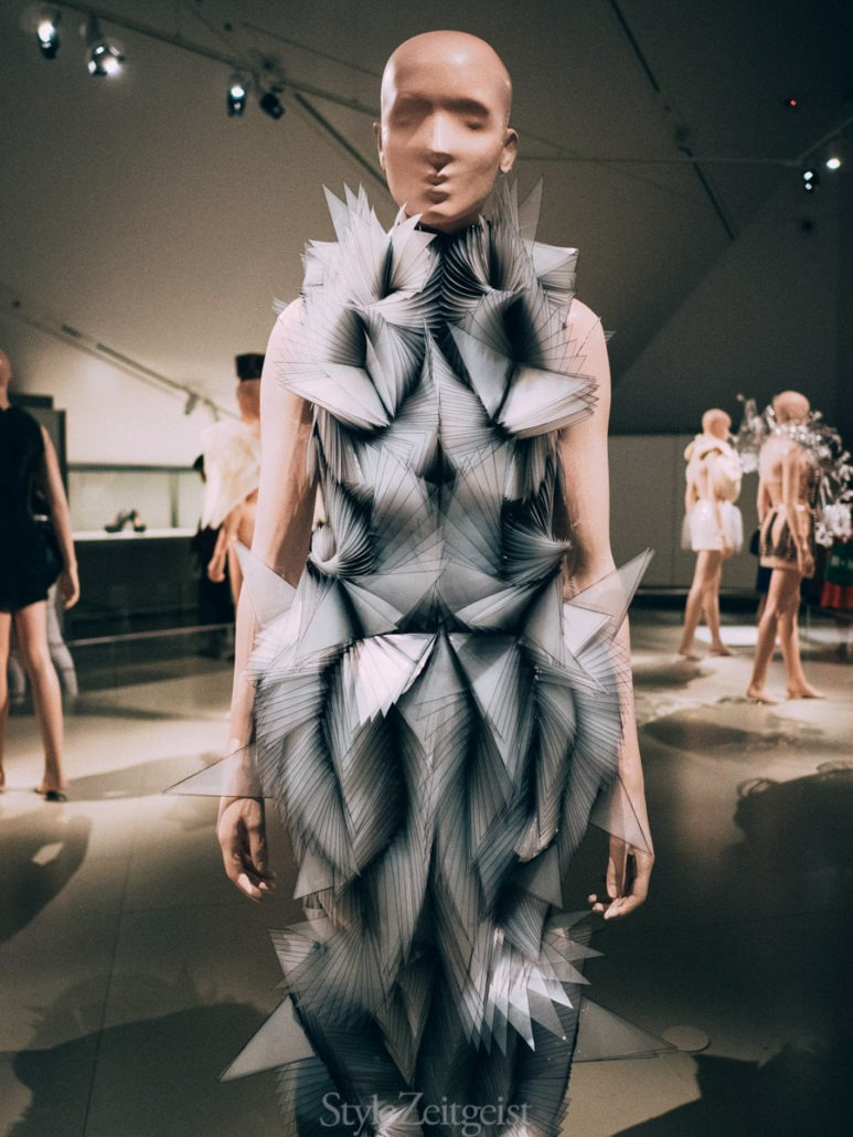 Iris van Herpen: Transforming Fashion at the Royal Ontario Museum - Womenswear, Women's Fashion, Toronto, Royal Ontario Museum, Philip Beesley, Iris Van Herpen, Fashion, Culture, 2018