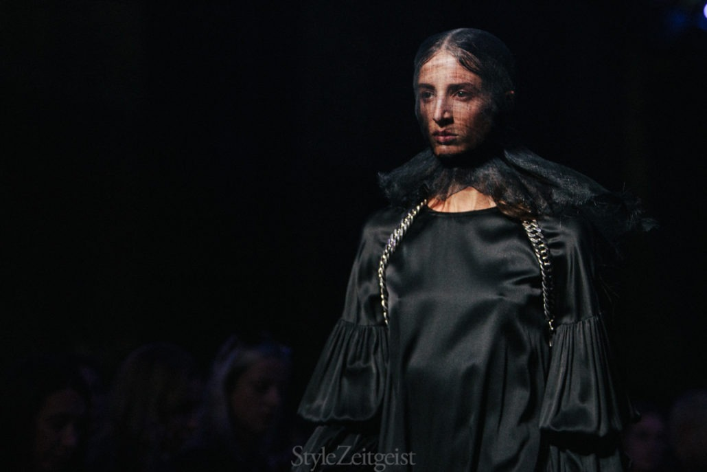 Ann Demeulemeester S/S19 Women's - Paris - Womenswear, Women's Fashion, SS19, Spring Summer, PFW, Paris Fashion Week, Paris, Matthew Reeves, Fashion, Ann Demeulemeester, 2018