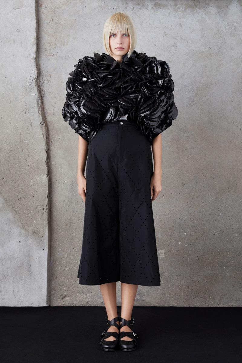 79dfdf8c2 Moncler 6 Noir Kei Ninomiya S S19 Women s – Lookbook - StyleZeitgeist