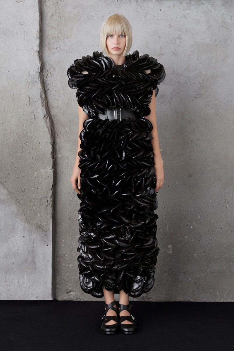 Moncler 6 Noir Kei Ninomiya S/S19 Women's – Lookbook - fashion - Womenswear, Women's Fashion, SS19, Spring Summer, Noir Kei Ninomiya, Moncler, lookbook, Fashion, 2018