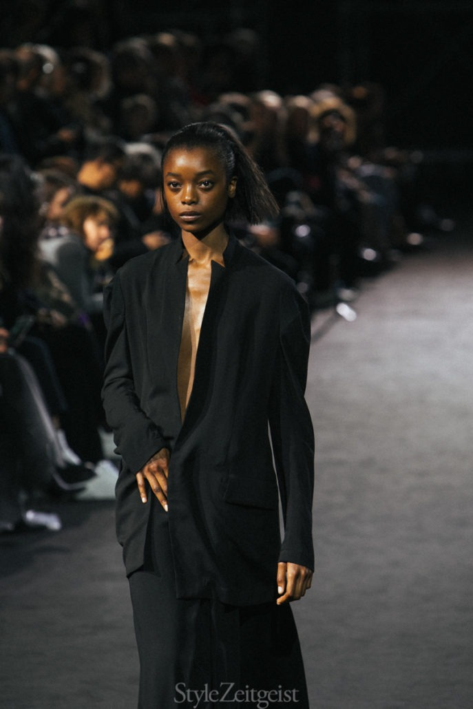 Yohji Yamamoto S/S19 Women's - Paris - fashion - Yohji Yamamoto, Womenswear, Women's Fashion, SS19, Spring Summer, PFW, Paris Fashion Week, Paris, Matthew Reeves, Fashion