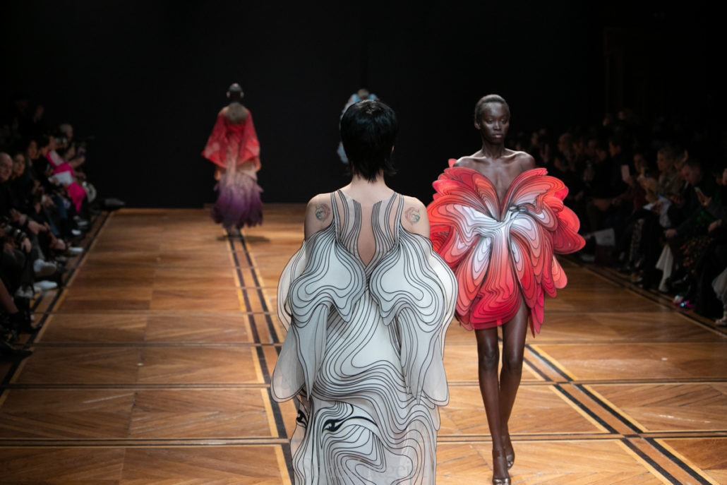 Iris van Herpen S/S19 Haute Couture - Paris - Womenswear, Women's Fashion, SS19, PFW, Paris Fashion Week, Paris, Matthew Reeves, Iris Van Herpen, Haute Couture, Fashion, 2019