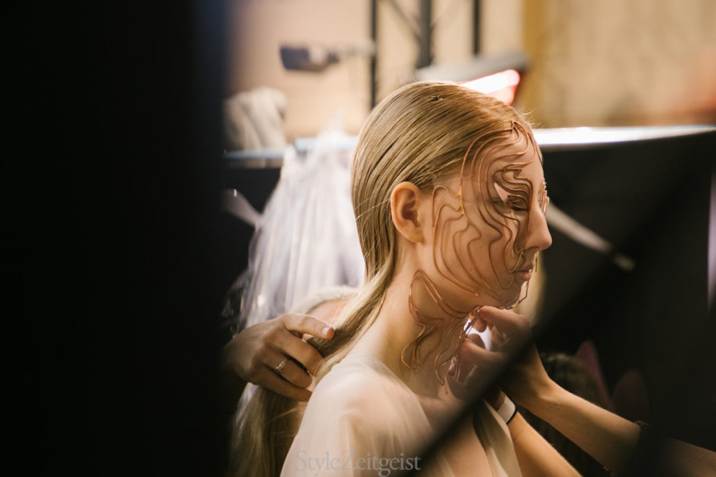 Iris van Herpen S/S19 Haute Couture - Paris Backstage - fashion - Womenswear, Women's Fashion, SS19, Spring Summer, PFW, Paris Fashion Week, Paris, Matthew Reeves, Iris Van Herpen, Fashion, Backstage, 2019