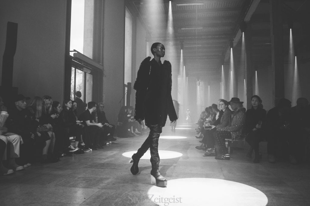 Rick Owens F/W19 Women's - Paris - fashion - Womenswear, Women's Fashion, Rick Owens, PFW, Paris Fashion Week, Paris, Matthew Reeves, FW19, Fashion, Fall Winter, 2019